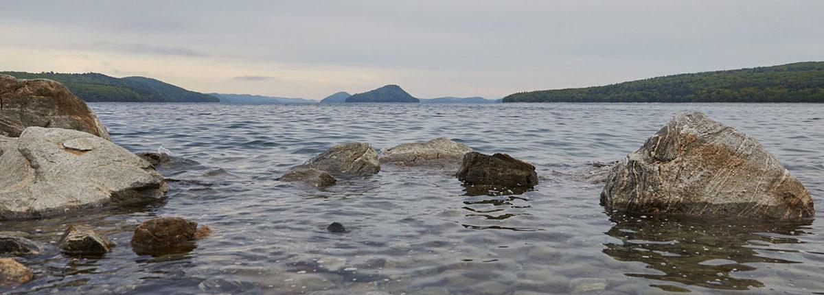 serene water and rocks