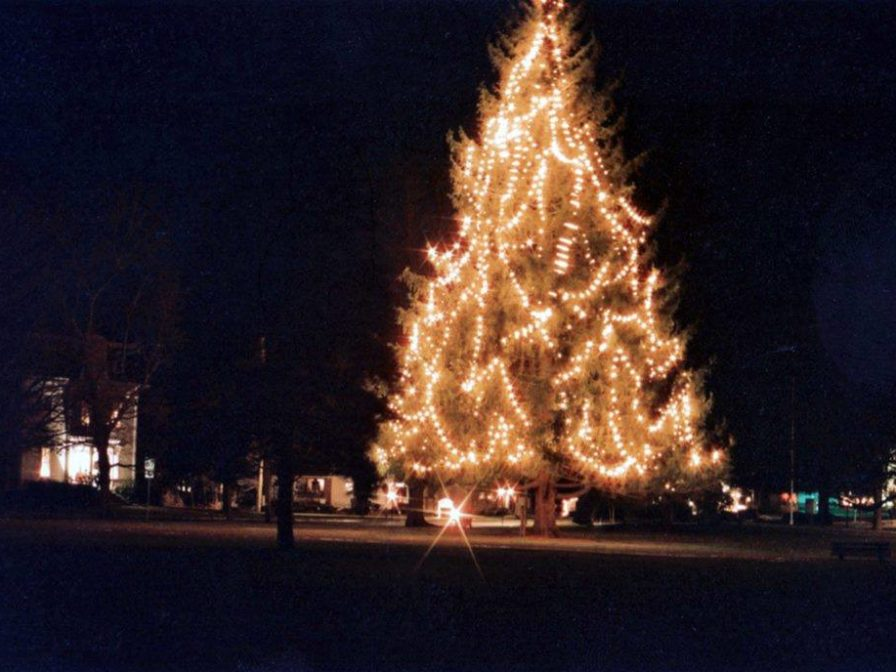 join us on sunday december 3rd at the beautiful and historic west brookfield common for our 25th annual white christmas celebration - Why Is Christmas On The 25th